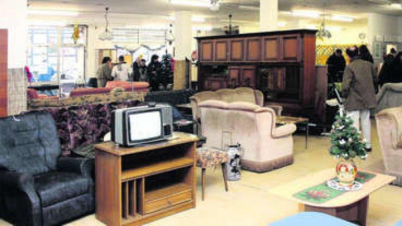 ber m belverkauf zur ck in arbeit braunschweiger zeitung. Black Bedroom Furniture Sets. Home Design Ideas