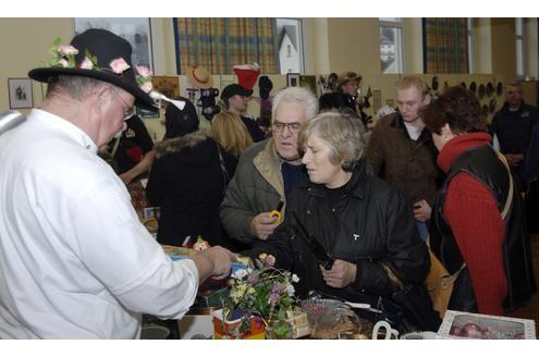 Große Roben, große Gefühle - am Dienstagabend feierte das Gymnasium Kleine Burg ihren diesjährigen Abiball.