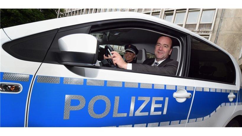 mehr elektroautos f r polizisten niedersachsen braunschweiger zeitung. Black Bedroom Furniture Sets. Home Design Ideas